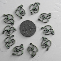 10 x Antique Bronze Letter 'B' Charms