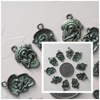 10 x Day Of The Dead Charms