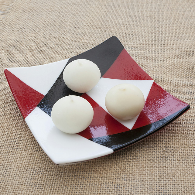 Geometric Red, Black and White Fused Glass Decorative Plate
