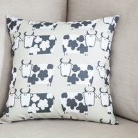 "Cartoon Cows Cushion Cover 18"" inch neutral Farm Animals Child's Bedroom Room"