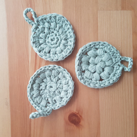 Eco-friendly crocheted bamboo re-usable cleaning pads