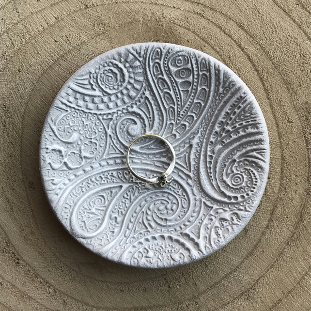 Ring Dish - Grey and White, Paisley