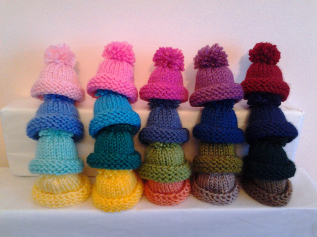 SET OF 5 HAND KNITTED EGG COSIES