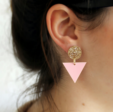 Geometric drop earrings in gold glitter and pink persepx