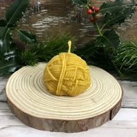 Yarn ball beeswax candle