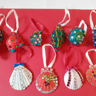 10 shell Christmas decorations