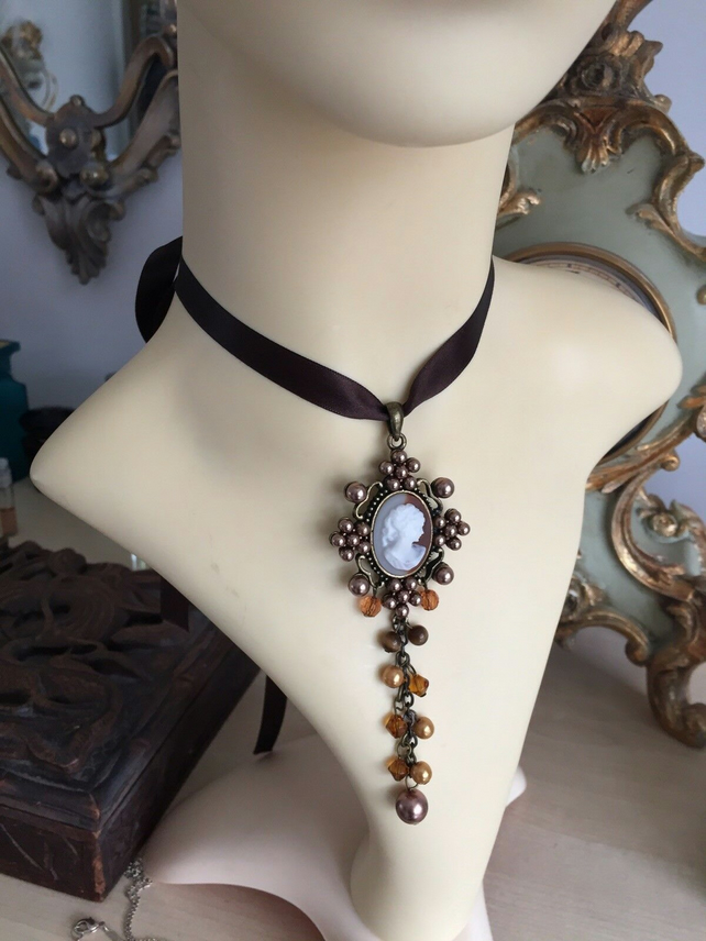 VINTAGE CAMEO BEAD RIBBON NECKLACE