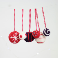 Christmas Baubles Needle Felting Kit - Red and Purple