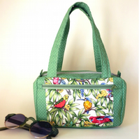 Small boxy bag for a bird lover!