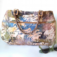 Smart tote bag with horse images on batik fabric