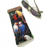 Wild parrots glasses case, flex frame, pinch purse