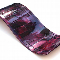 Beautiful Dark Pink and Purple Fused Glass Wave for Interior Decoration