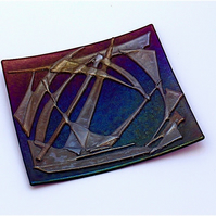 Iridised Fused Decorative Glass Plate with Iridised Gold Detail in Dark Pink