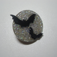 Sparkly Silver Moonlight Bat Brooch Pin - Flying Bats - Gothic - Full Moon