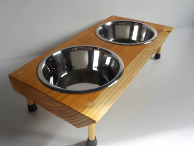 Wooden Raised Dog Feeder Comes With 2 X 21 Cm Bowls For Larger