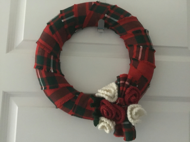 Flower Wreath in Tartan, handcrafted tartan wreath for wall or door decoration