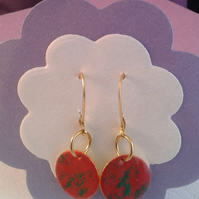 EE04 enamelled red,green earrings
