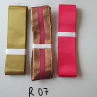 R07 - Lot of 3 Ribbons, Gold Colour & Pinky Red