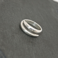 Solid Silver Crossover Ring
