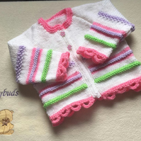Baby girl cardigan. Hand knitted baby cardigan. Baby jacket. Baby Gifts. 0-3 m