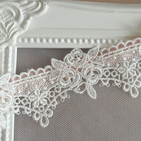 Crocheted Lace Bridal Garter 'Flora'