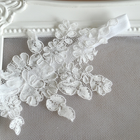 Sophisticated Simple White Lace Bridal Garter 'Elodie'