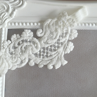 Small Ivory Swirl Crochet Lace Bridal Garter 'Mini Olivia'