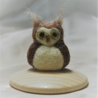 Mish Mash Minis - Tubby tufty owl (needle felted sculpture)