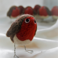 Round Robin - needle felted robin ornament