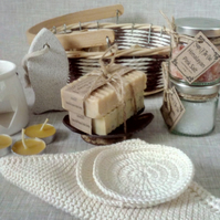Natural Handmade Goats Milk Soap Gift Basket With Salt Bath And Cotton Wash Roun
