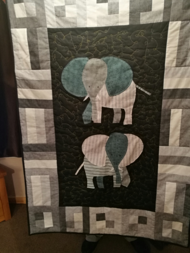 Baby or child elephant quilt