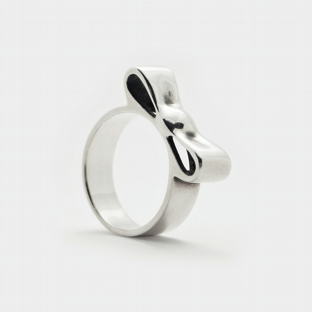 Bow Ring . Wide Band Ring . Daily Ring . Gift for Her . Trending Now