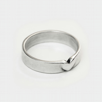 Heart Band Ring, Promise Ring for Her - Sterling Silver Band Ring, 4mm Wide