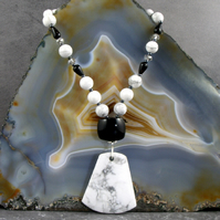 White Howlite Semi-Precious Gemstone Necklace, Handmade Necklace MS597