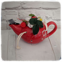 Strawberry teapot sewing station
