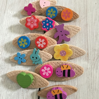 10 wooden badges for girls