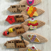 10 wooden badges for mixed party