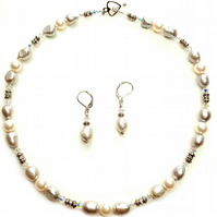 Grey and white pearl necklace gift set