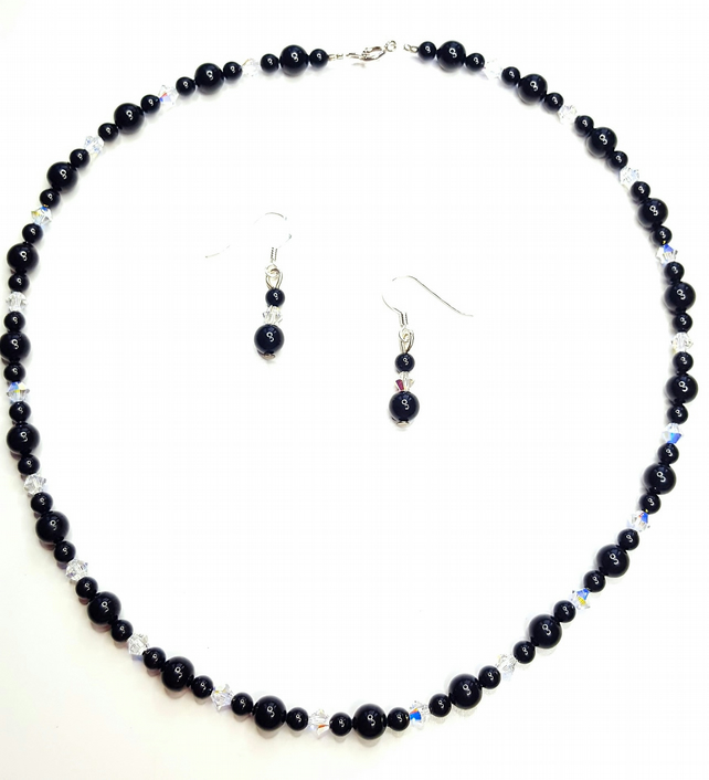 Black Pearl and Crystal necklace featuring Swarovski Crystals and Pearls