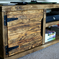 KRUD Retro TV Stand - Handmade - Solid Wood - Scaffold Style