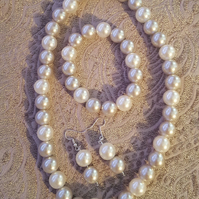 handmade chunky pearl bead 3 piece jewellery set in smoke and oyster