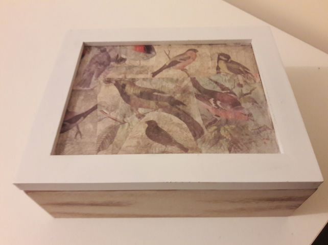Bird patterned jewellery box