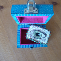 Textile Art Stitch Art Lovers Eye hand embroidered brooch in a hand painted box
