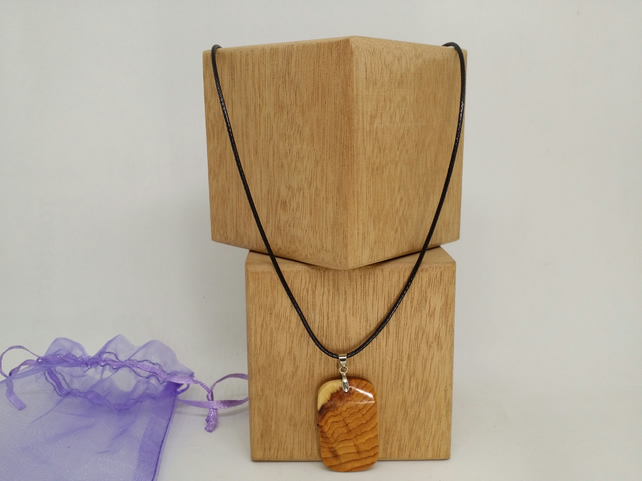 pendant necklace Yew wood