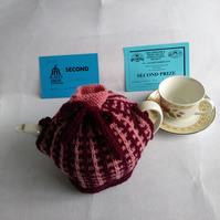 Maroon and pink vintage style teacosy to fit medium size tea pot