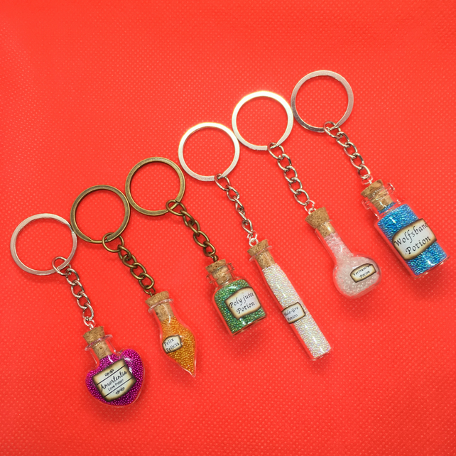 "Harry Potter inspired "" Bottle Potion "" Charm - Metal Keyring Keychain"