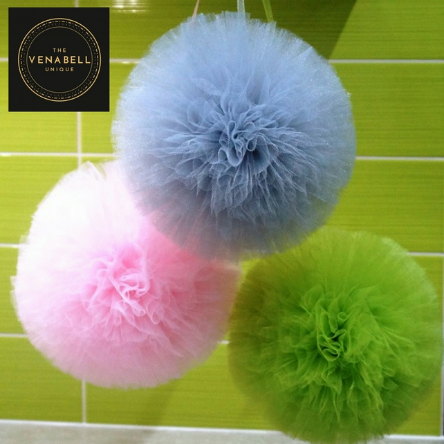 Tulle Pompoms wall decoratin set of 3 - Wedding  Baby Shower  Party  Birthday