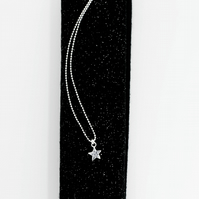 Tiny Star Pendant