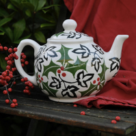 Christmas Holly and Ivy Teapot