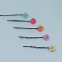 5 Daisy Bobby Pins Hair clips